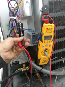 checking voltage on residentual hvac condensing unit contactor