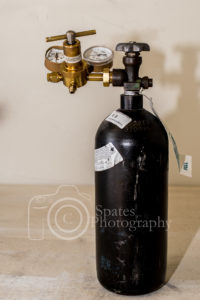 Nitrogen bottle and regulator hvac tools